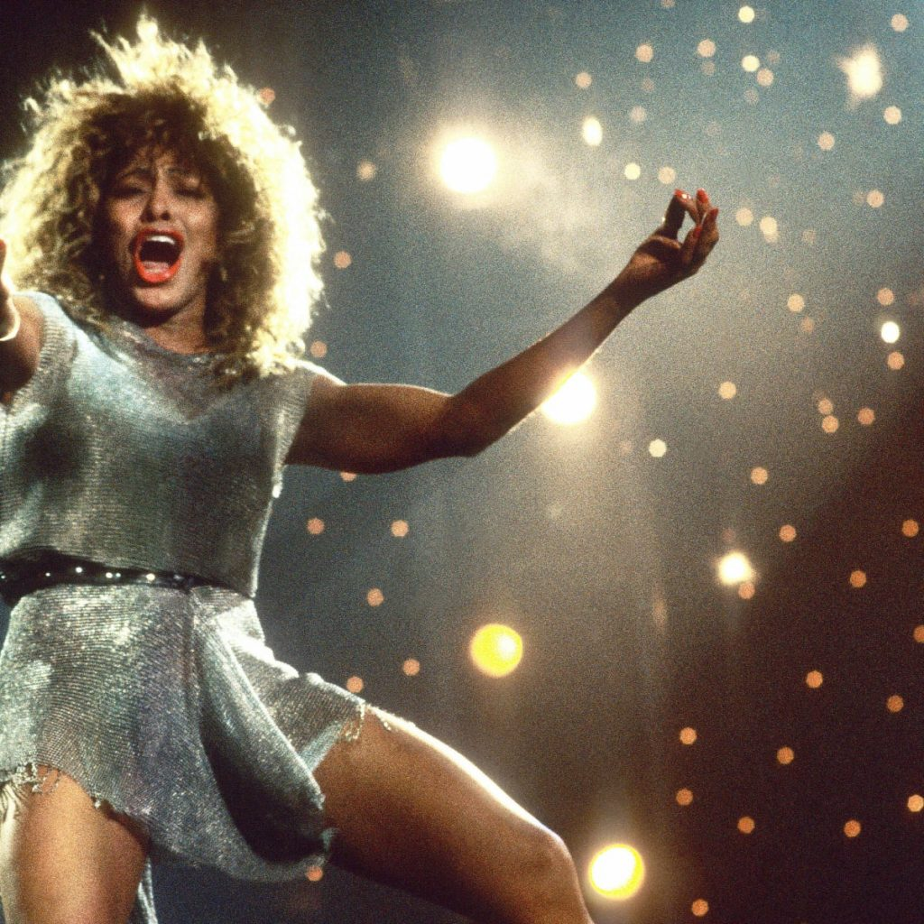 Tina Turner – What's Love Got To Do With It (Live-2009)